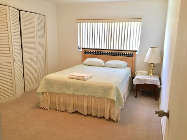 Comfortable Room near FIT - Melbourne - House