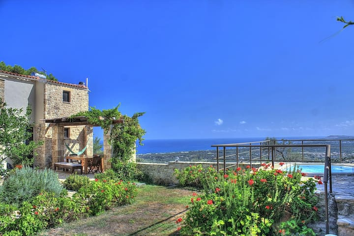 Fantastic Villa in a quiet village