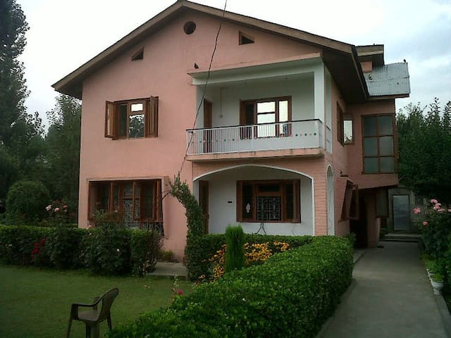 Exotic Stay in Kashmir