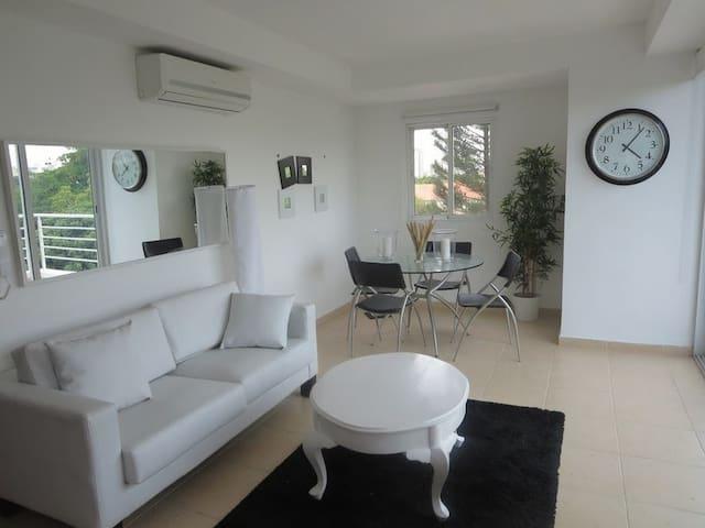 Moderno y centrico estudio 5 mins de zona colonial - Santo Domingo - Wohnung
