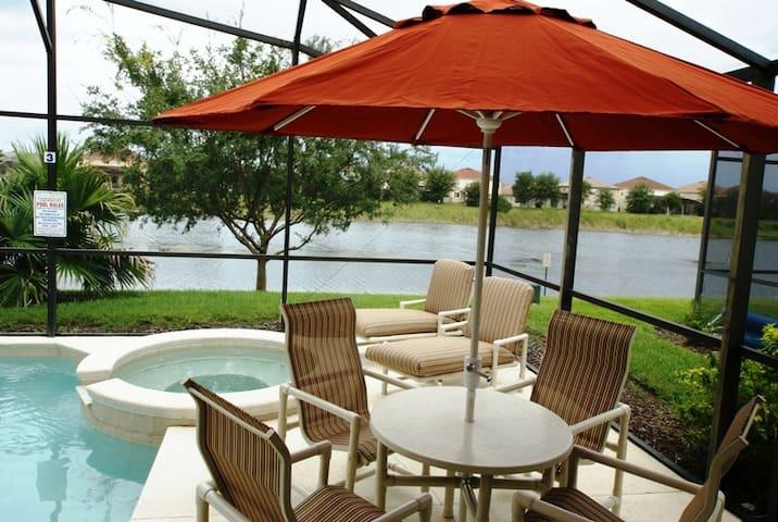 Lakeside Villa-Highend Luxury&Elegance near Disney - クレルモン - 別荘
