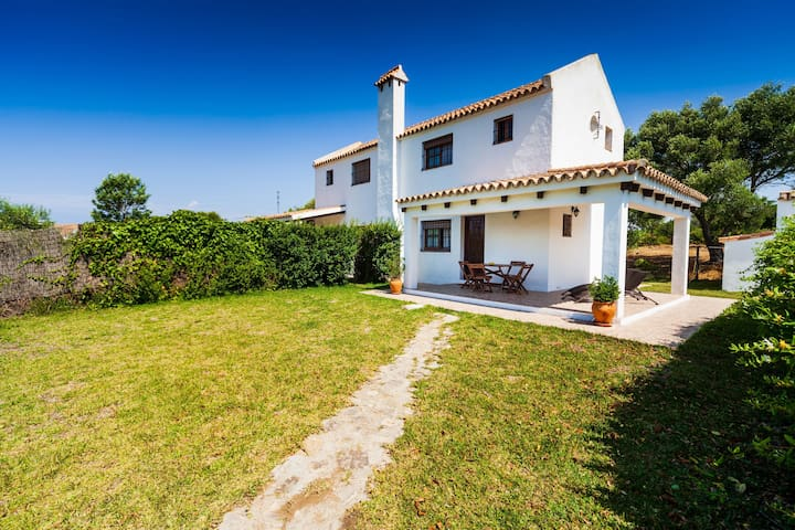 Modern holiday home in idyllic location - Villa La Quinta de Maria Luisa 2