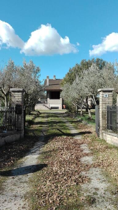 L'ingresso della proprietà.