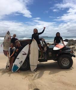 Border Surfers Camp & BnB - Elanora - Bed & Breakfast