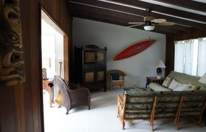 Spacious, Airy Open-Plan House, Mins to Beach