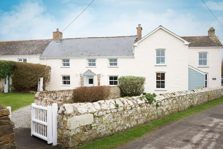 Dog-Friendly Cornish Cottage near Newquay- Bejowan
