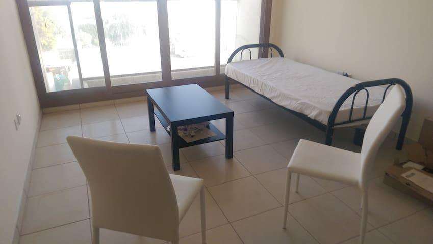 Brigt cozy room near Gurair Mall Deira - Dubai - Apartamento