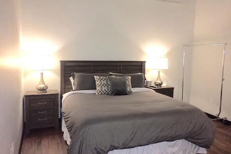 Room 216 - Landmarc Building Utica (PRIVATE) - Utica - Appartamento