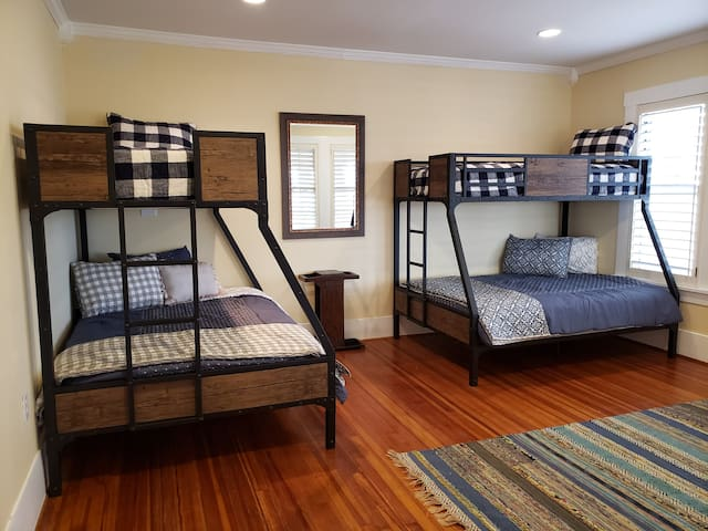 Second bedroom,
