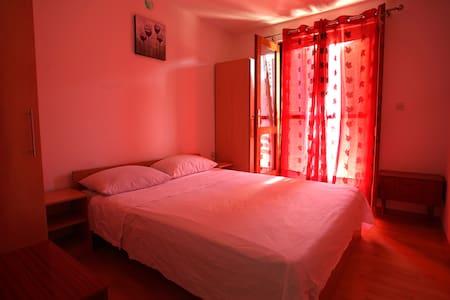 Apartment Marin - true escape on Hvar island - Bogomolje - Lägenhet