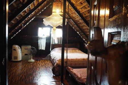 BaanWiang Garret room, cool room under the roof.