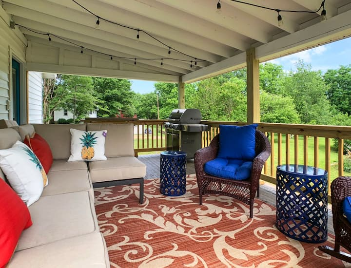 Barefoot Bungalow - Mr Lake Lure Vacation Rentals