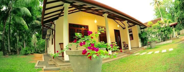 Coco House, peaceful area, large coco retreat
