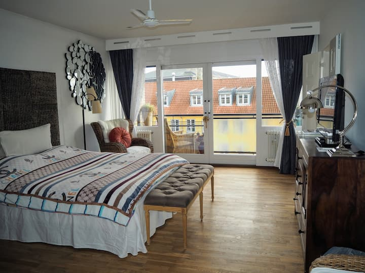 Cozy studio with balcony, 15 mins to CPH center