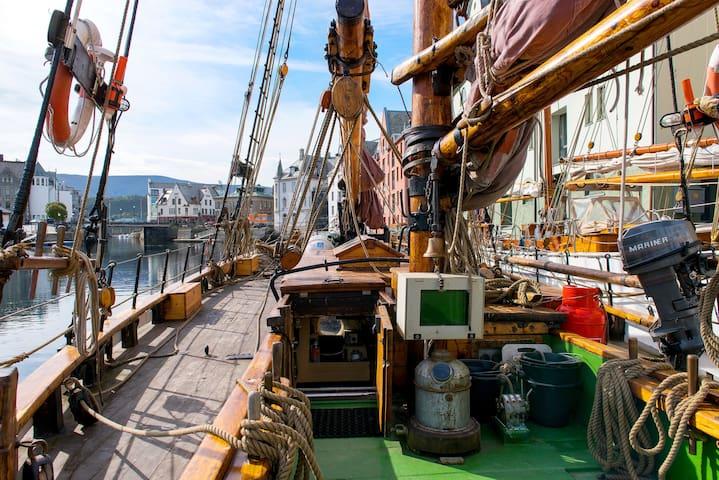 Sailing Yacht 'Framstig'