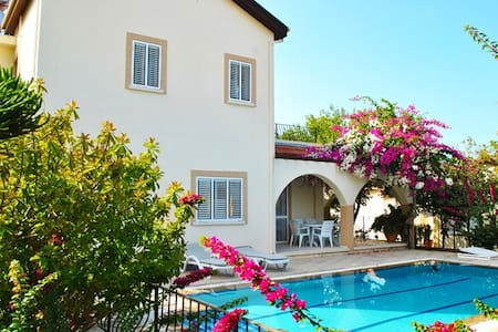 KB466 A cozy villa with 3 bdr and private pool - Çatalköy