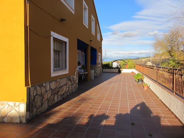 Apartamento con Jardin y Terraza - Cuenca - Daire