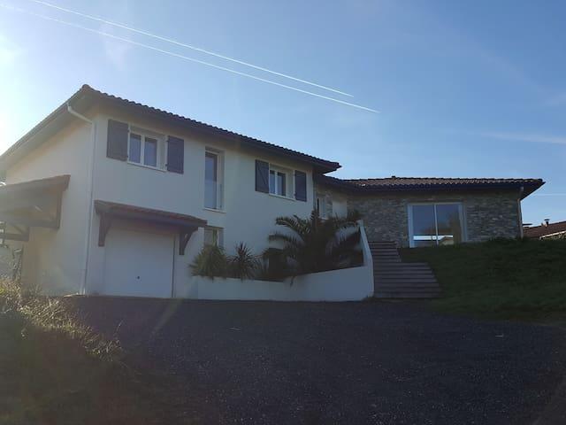 Villa contemporaine 160m2 au coeur du Pays Basque