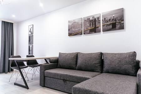 Уютные апартаменты со стильным интерьером.