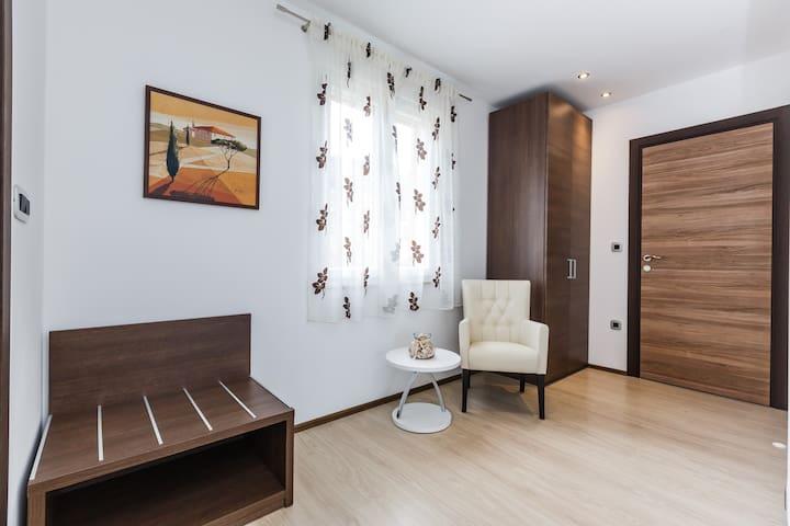 BC58 Villa Neravera