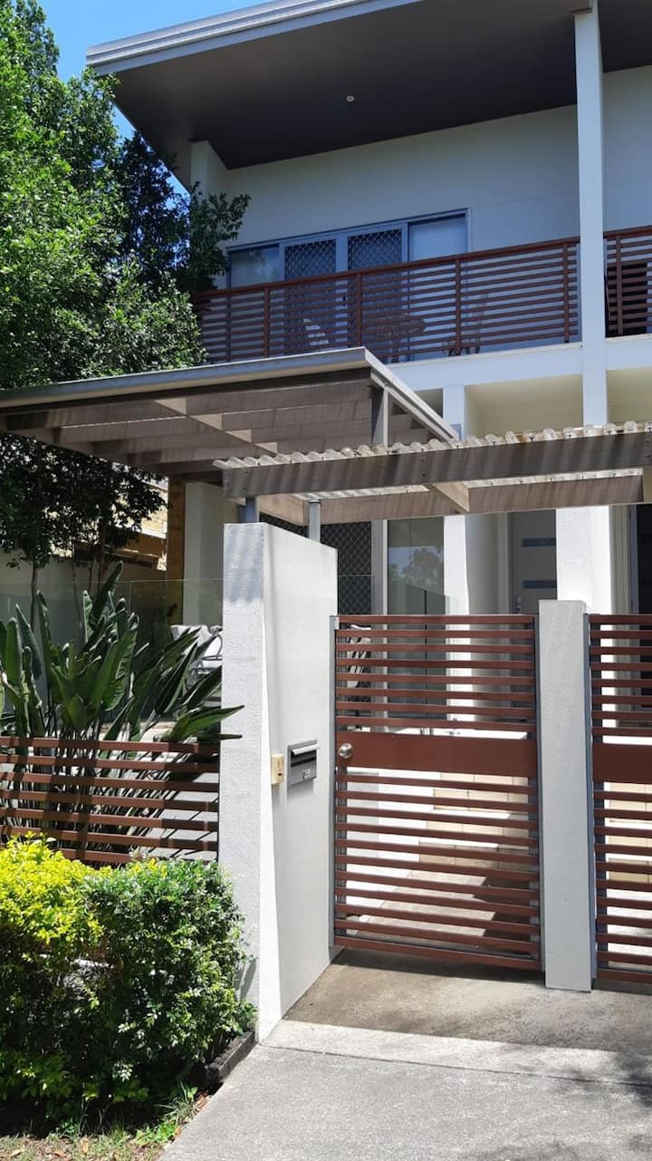 Corinda townhouse - home away from home