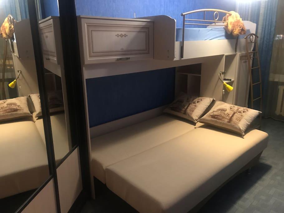 Спальня (диван в разобранном виде)