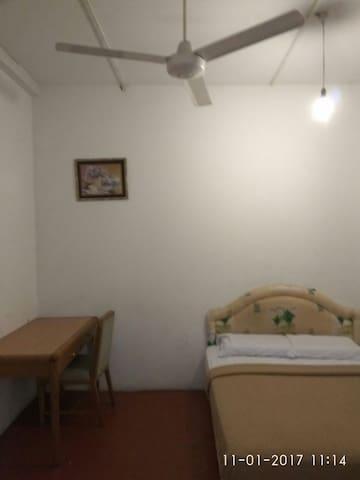Standard Room - Bandar Seri Begawan - Hostel