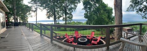 Eagle Point Cottage overlooking Lake Guntersville
