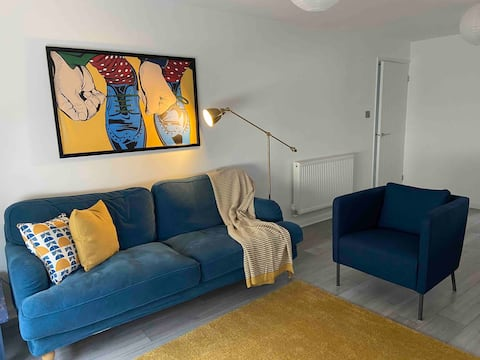 Bright modern seaside apartment, dedicated parking