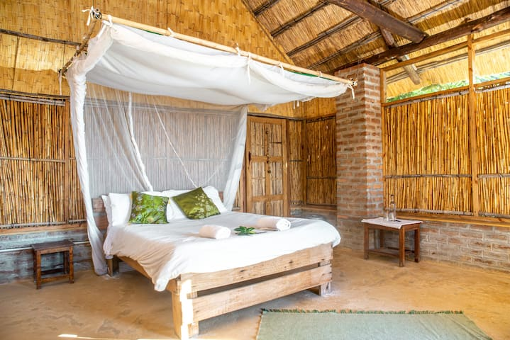 This is Seka (means 'to laugh or laughter) one of our en-suite beach front chalets. This room has a really special shower......
