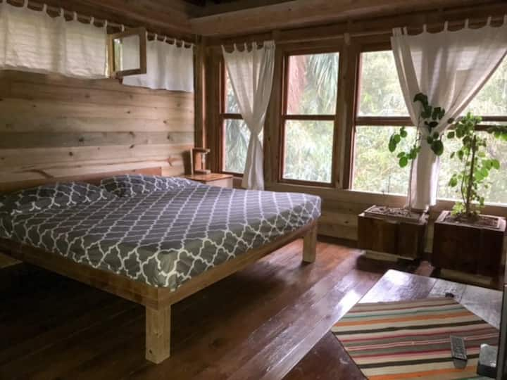 Single or double room with private bathroom.