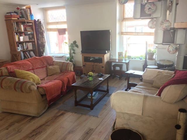 Entire 2x double bed flat in centre - Cardiff - Appartement