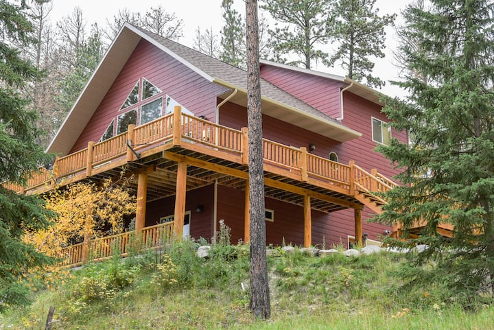 Grand Lookout Lodge