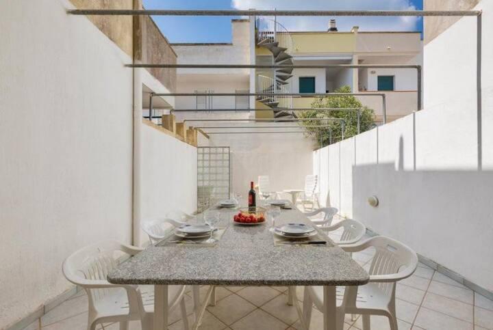 """Gut eingerichtete Ferienwohnung """"Casa Chiara"""" wenige Gehminuten vom Strand mit Klima und 2 Terrassen; Parkplätze vorhanden"""