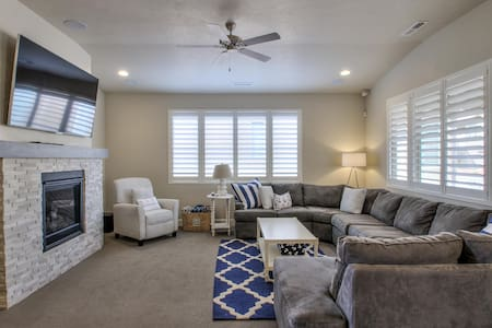 Nautical Port #28 – 3BD (Paradise Village) - Santa Clara