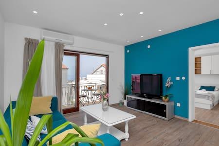 Apartment Blue 4+0 #65m2 #Spacious living room#