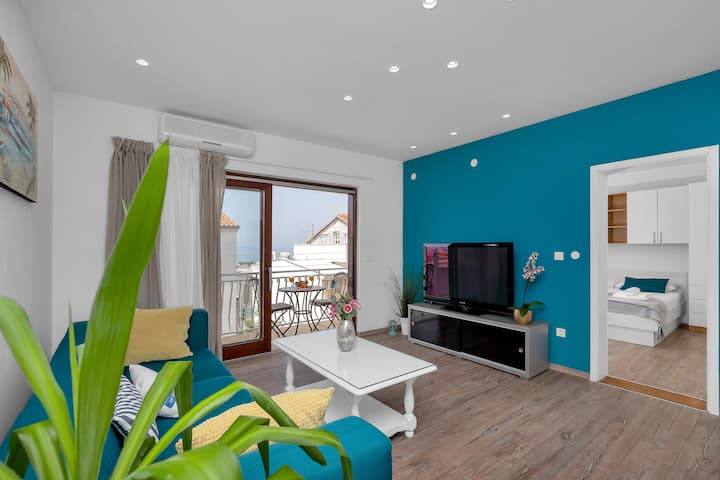 Apartment Blue 4+0 #65m2 #Spacious living room#