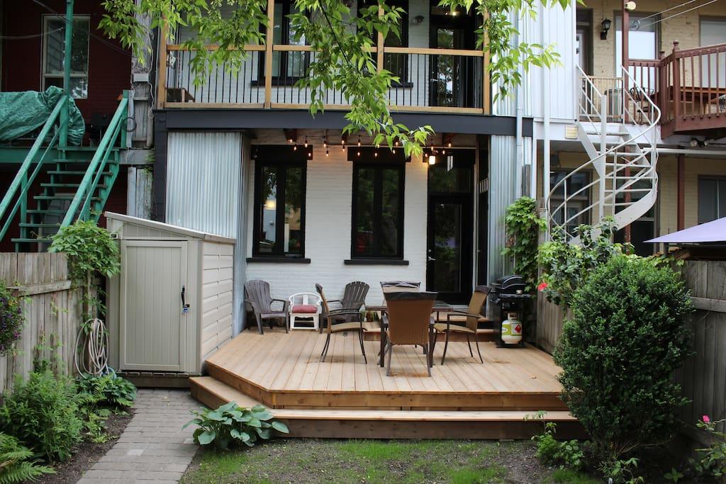 Terrasse et jardin privés pour profiter au calme des chaudes soirées d'été