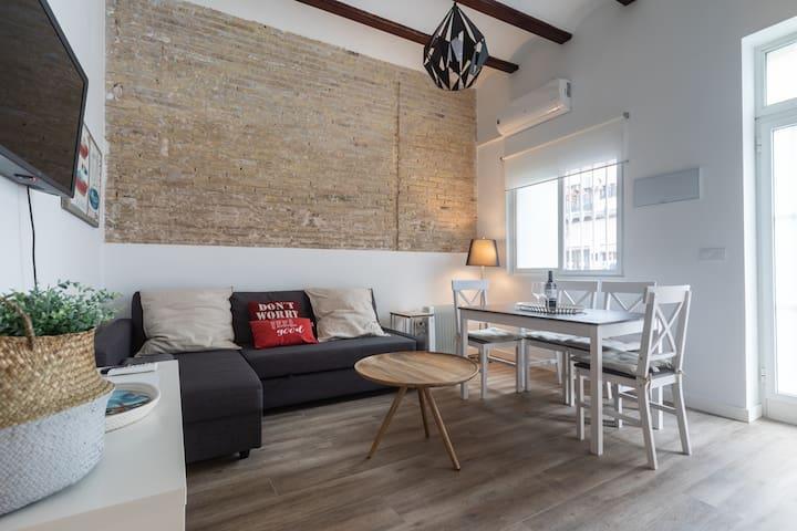 Relax house with terrace,near beach,WIFI