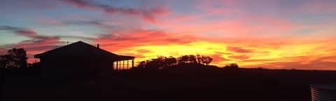 KangaWomba Lodge - Rural Retreat on 166 acres