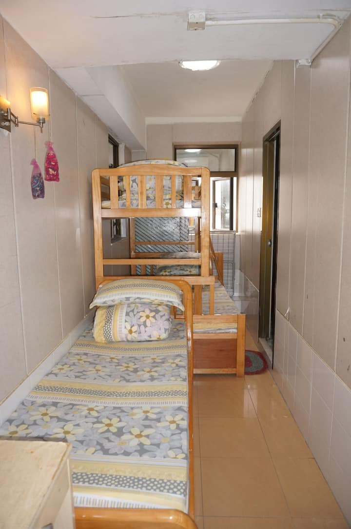 四人套房带獨立洗手間- 4 person room with Private bathroom
