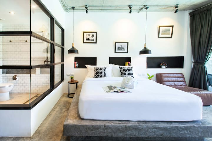 7-minute walk to center, private room Nang Thong