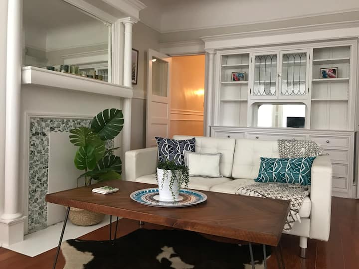 Bright Haven in Duboce Triangle, 15 min Bus ride to Downtown