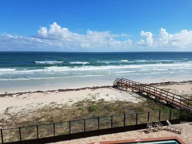 Tranquil & Luxurious Two Bedroom Oceanfront Condo
