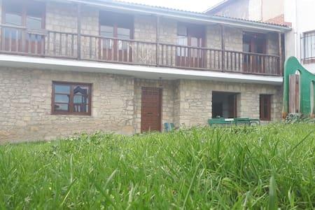 La balconada ( Valle de Tobalina)