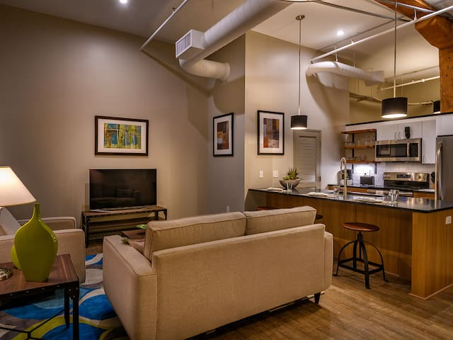 Incredible apartment home | 2BR in Canton