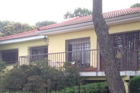 Chalet en Valdemorillo, Madrid