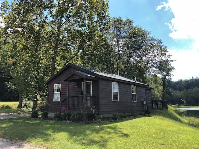 Hays Lodge (1br/1ba, sleeps 4, lakeside cabin)