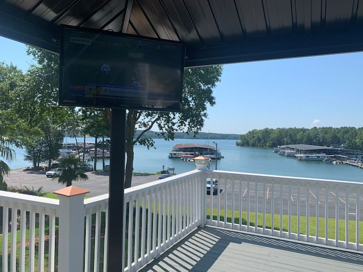 Lakeside Portman Marina Overlook