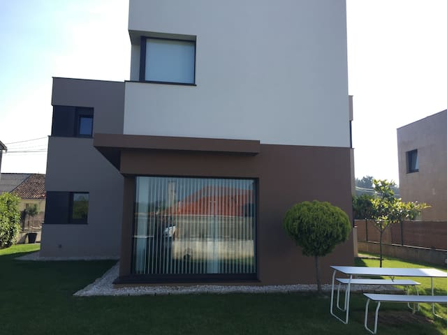 Casa de diseño en Oleiros, tranquilidad y playas - Oleiros - Rumah